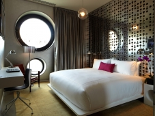 Dream Downtown Guestroom