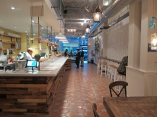 best-midtown-eats-alidoro-seating